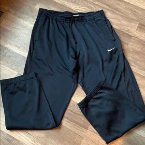 Nike Men's therma fit joggers